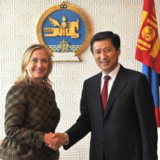 Clinton, Elbegdorj