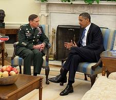 Obama, Petraeus